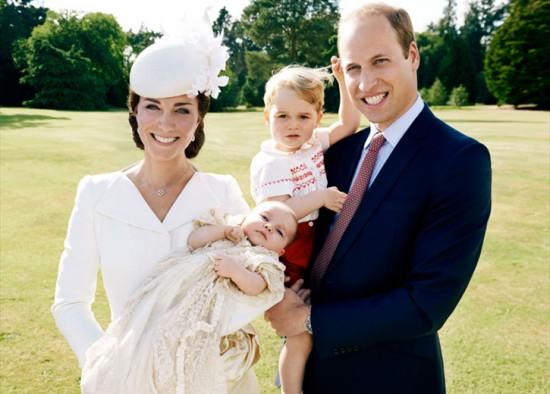 Kate e William com Charlotte e George - vem ver mais!