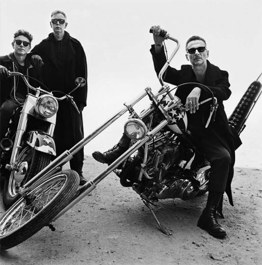 Eles vêm aí: Depeche Mode, uma das bandas mais closeiras! Olha essa foto! E vem ver mais aqui na galeria