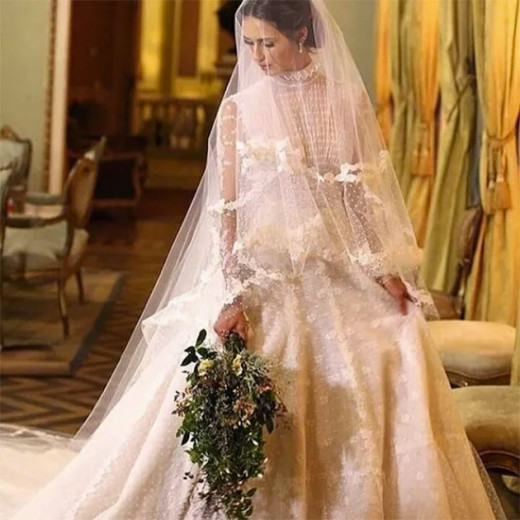 Juliana vestiu Valentino, claro. Vem ver mais do casamento na galeria!