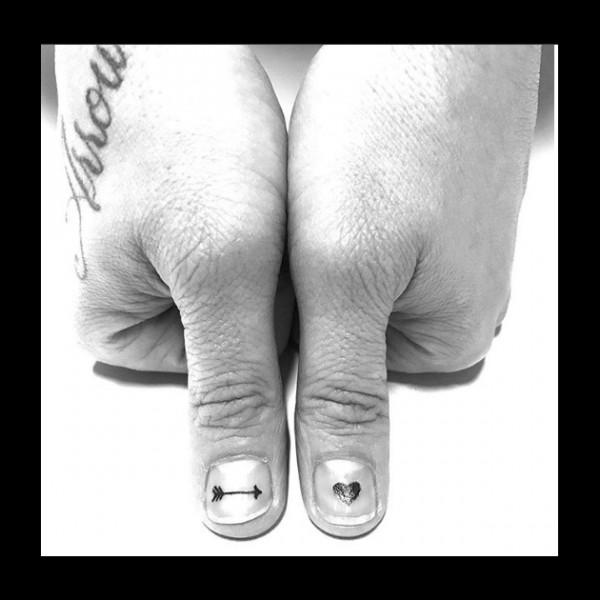 020418unha-tatuada8