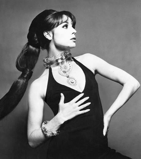 """Olha esse rabo-de-cavalo poderoso de Elsa Martinelli pra """"Vogue"""" Itália nos anos 60! Vem ver mais!"""