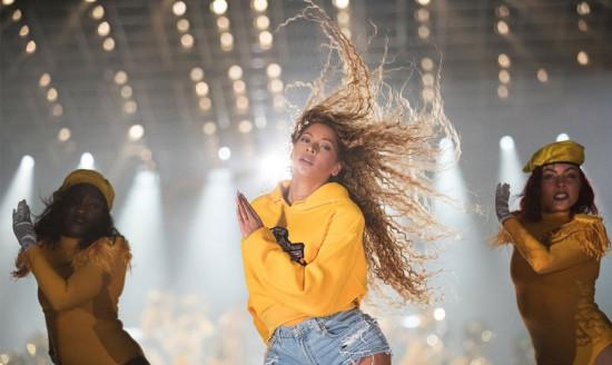 Beyoncé arrasando em seu show no Coachella!
