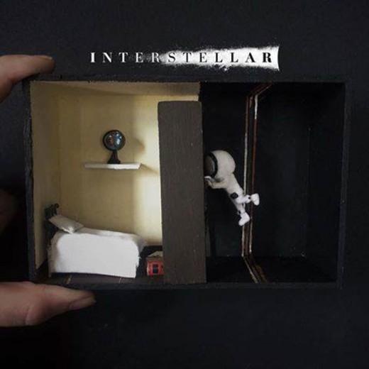 """Essa foi a primeira miniatura que a Flavia Barcellos fez, do filme """"Interstellar"""""""