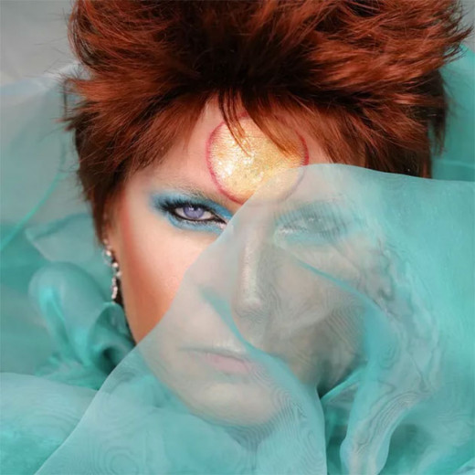Xuxa de David Bowie! Que tal? Vem ver mais