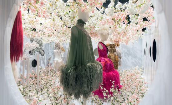 """""""A Queen Within"""" lembra a gente de que a moda é muito mais do que tendências e look do dia - vem ver mais!"""