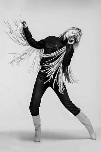 Amber Valletta na campanha da Levi's com a stylist Karla Welch - clica pra ver mais!