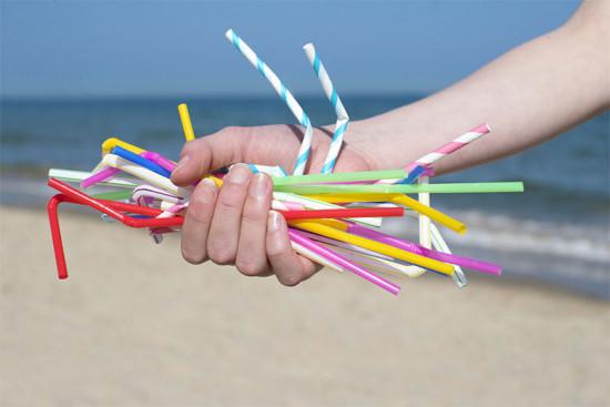 Chega de canudo de plástico! Vem ver as opções que o mercado já oferece