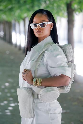 Rihanna é uma das convidadas megafamosas do desfile da Louis Vuitton - vem ver mais!